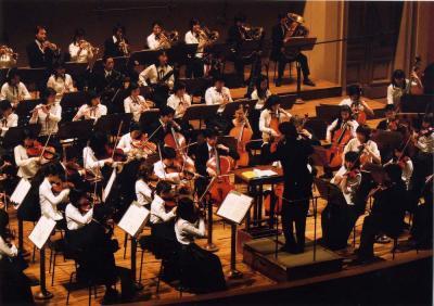 「2003年国際音楽祭 ヤング・プラハ(チェコ)」にて