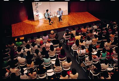 神戸学校、フェリシモホール での様子