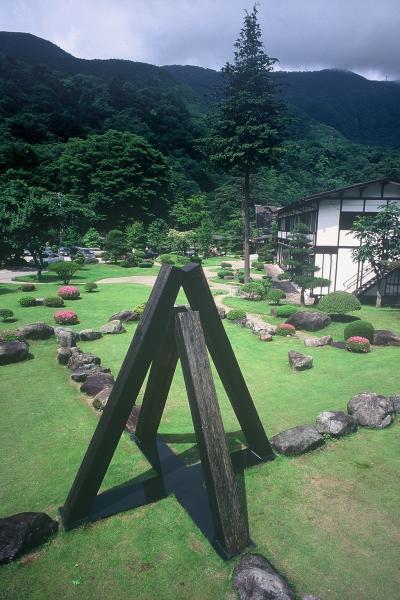菅 木志雄「天の点景」1991年
